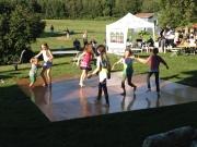 Kids dancing away!